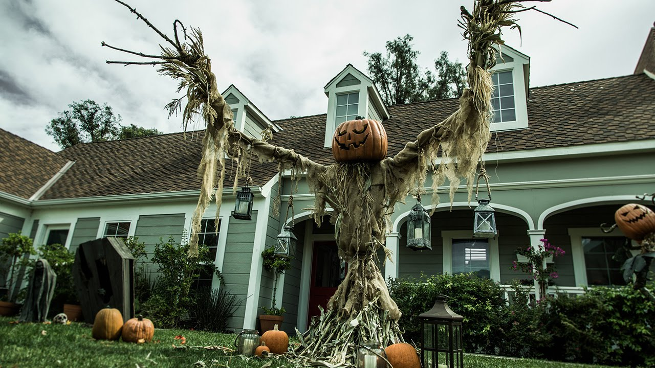 Best Tips For Halloween Garden Decorations To Make it Spooky