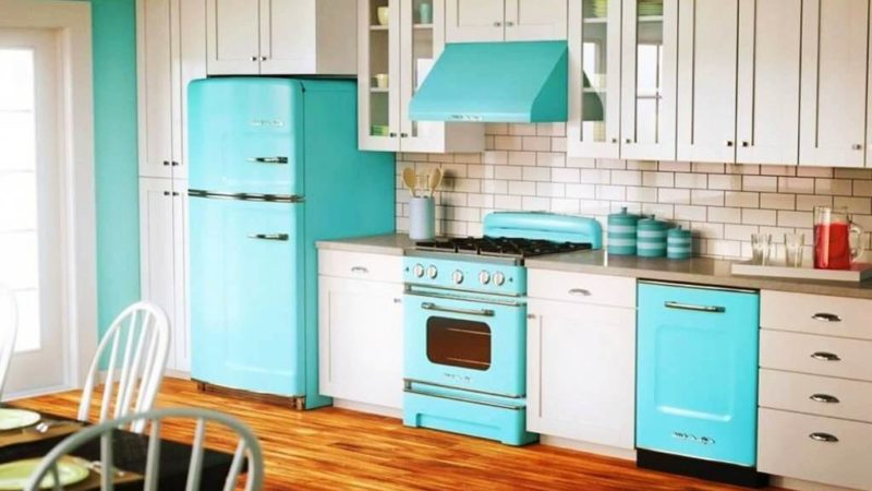 Remodel With These 30+ Two Tone Kitchen Cabinets