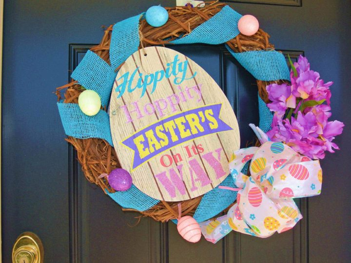 How To DIY Easter Wreath For The Welcoming Entrance?