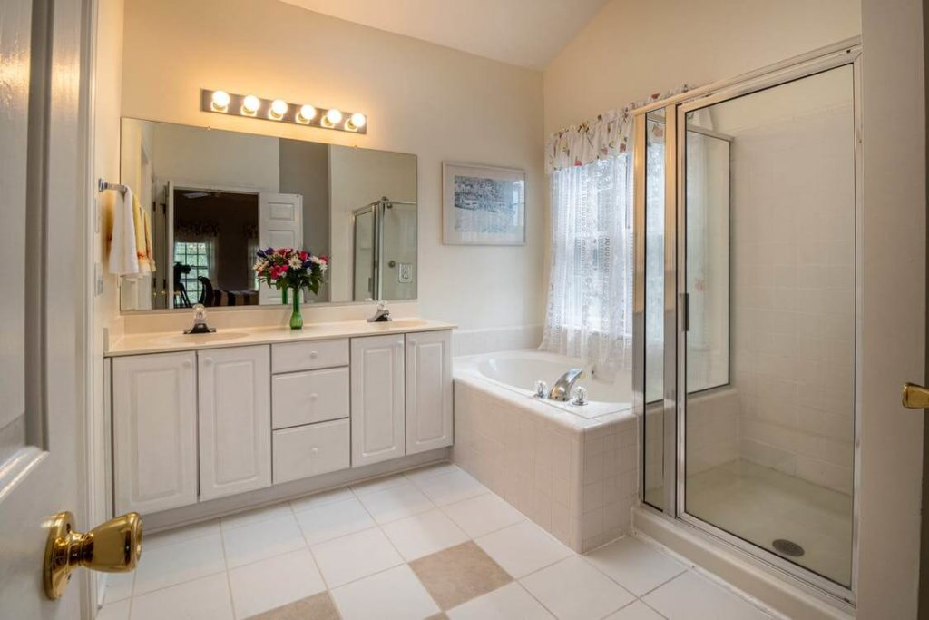 6 Easy And Budget-Friendly Tips For Your Bathroom Renovation