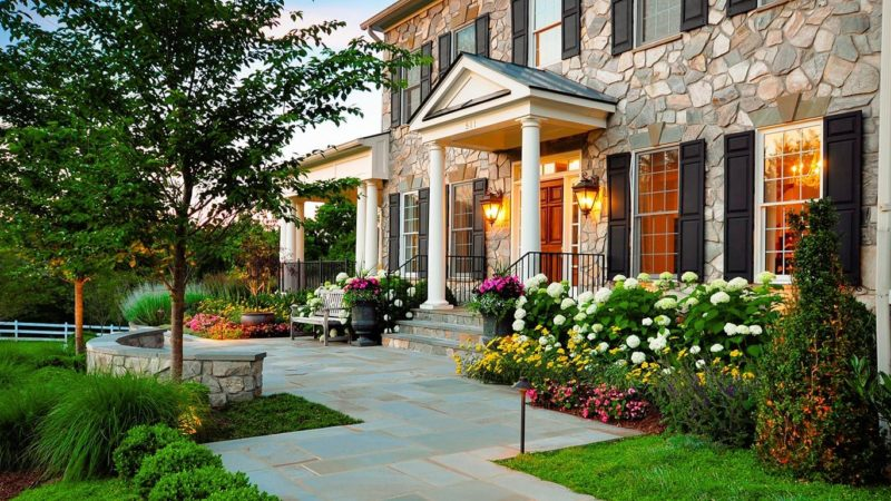 10 Best Ways To Beautify Your Front Yard For A Beautiful Home