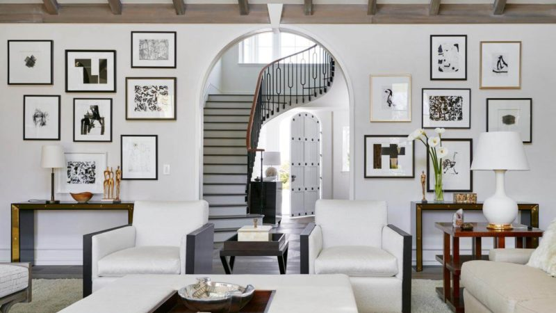 9 Voguish Wall Decor Ideas To Jazz Up The Class Of Your Living Room