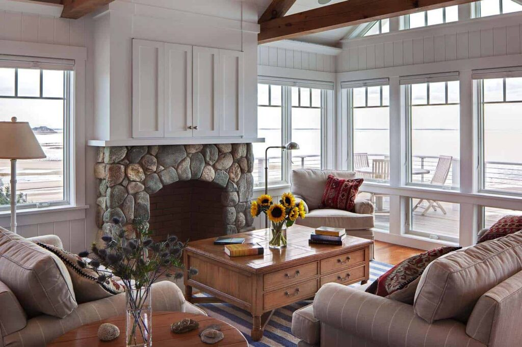Top Comfortable And Relaxing Screened Porch Design Ideas