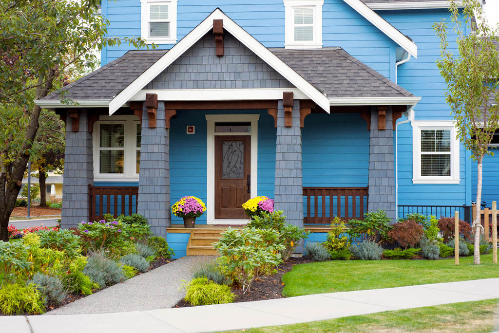17 Front Yard Landscaping Ideas for the Ultimate Look (2021 Guide)