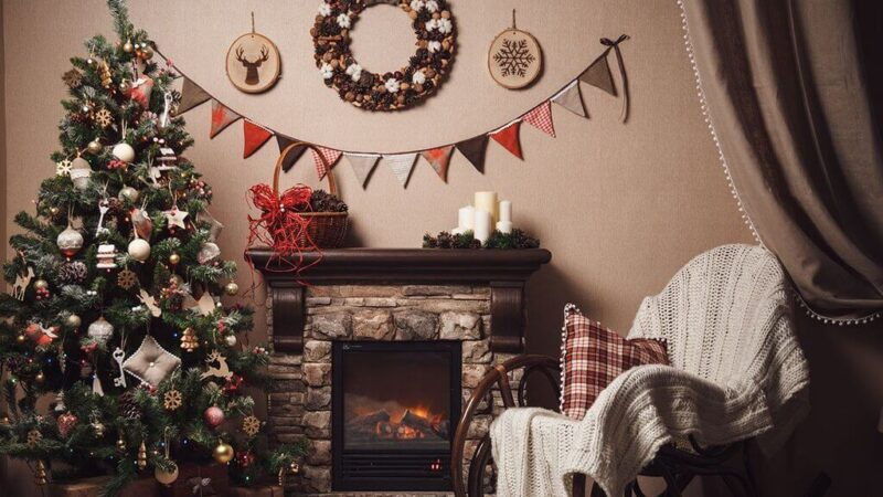 21+ Christmas Wall Decor Ideas: Enjoy Your Holidays Elegantly