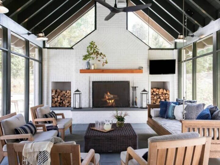 Redo Your Modern Farmhouse Living Room Interior to Imbibe Rich Summer Vibes