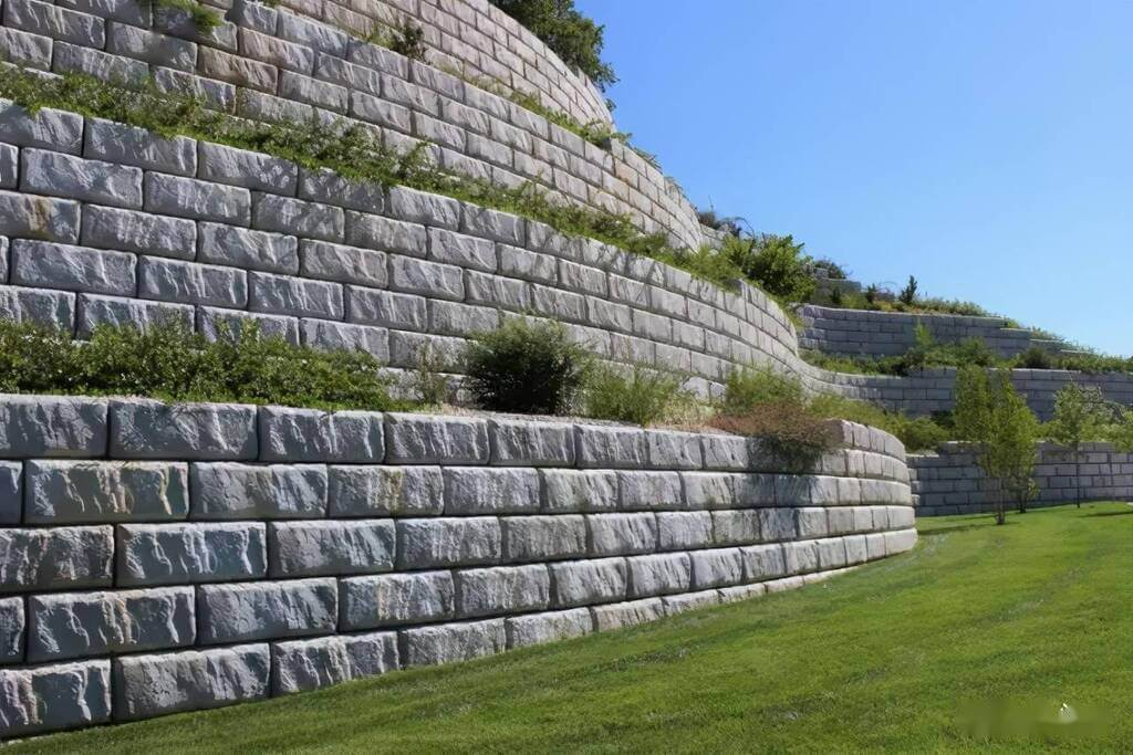 Add to the Beauty and Strength of the Backyard with These Retaining Wall Ideas