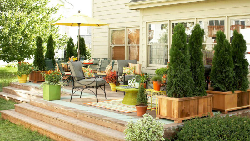 14 Small Deck Ideas to Enjoy Your Summer 2021